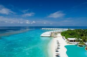 Amilla Fushi Infinity Pool und Beach