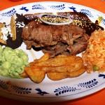 Puebla, Mexiko, Hauptgericht mit Guacamole
