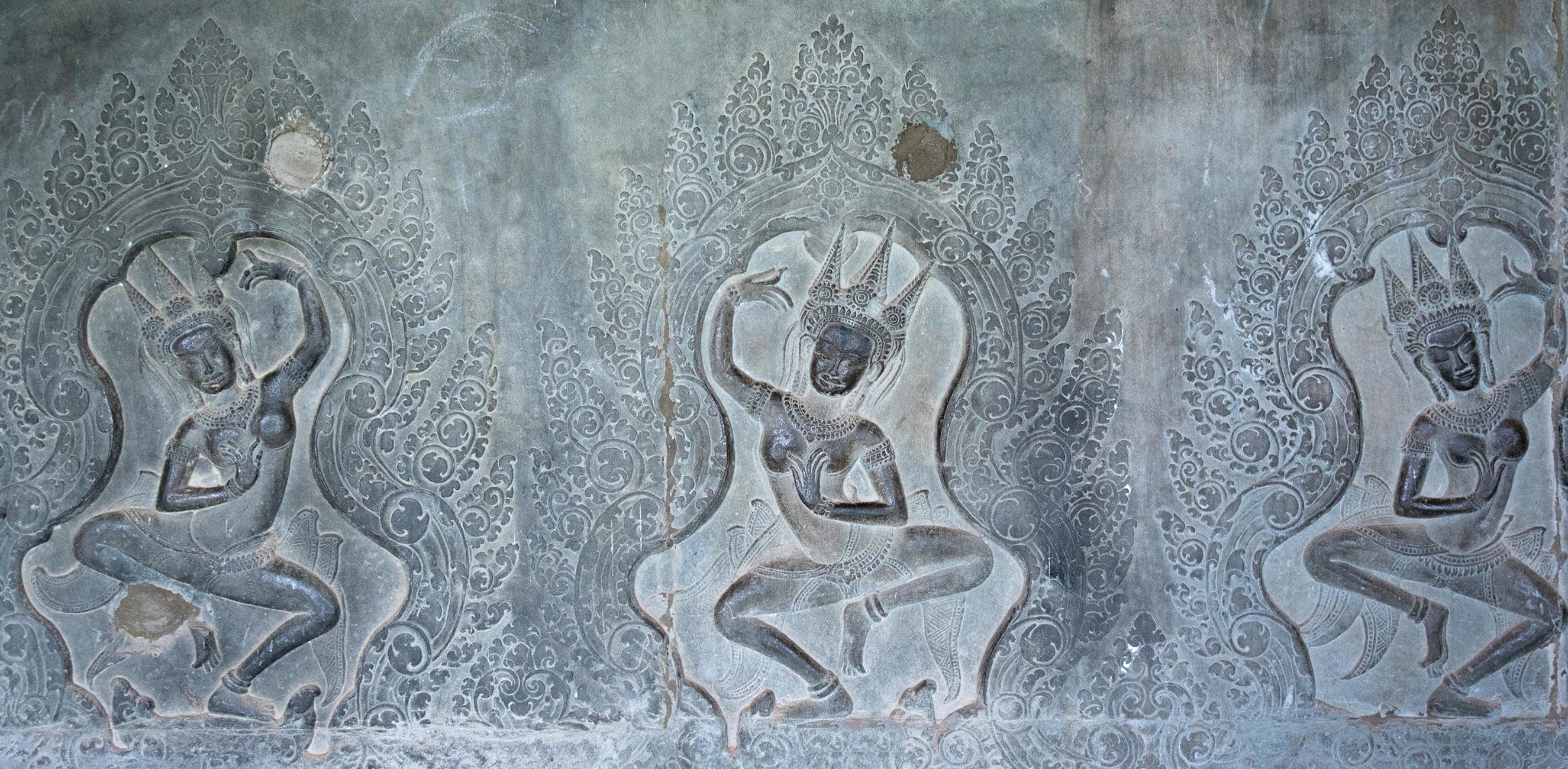 Relief Tänzerinnen Kambodscha