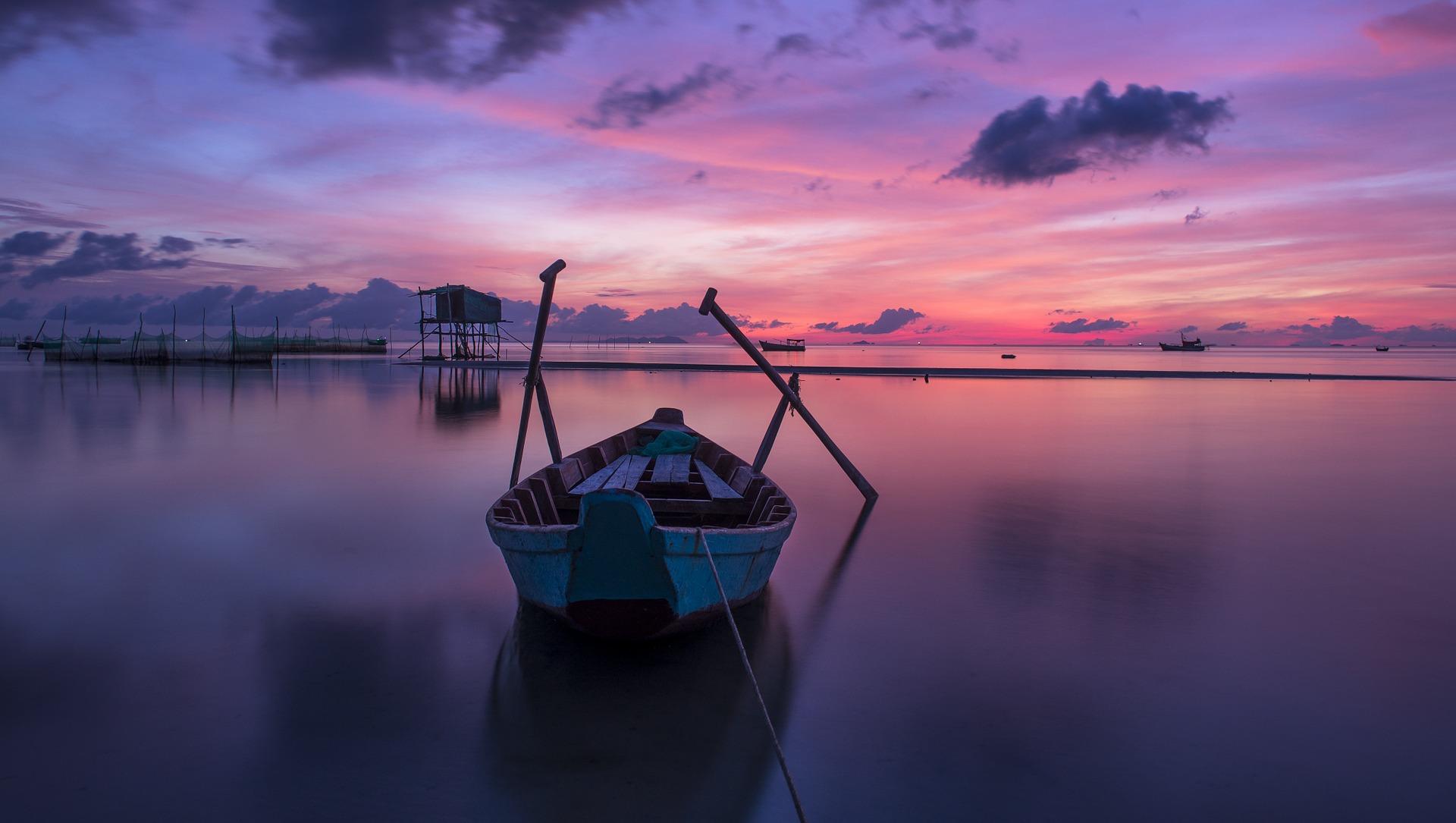Boot am idyllischen Strand von Phu Quoc.