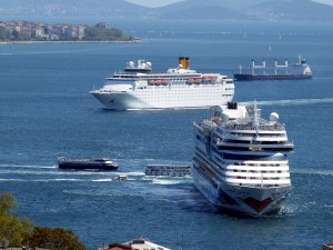 Kreuzfahrtschiffe im Mittelmeer