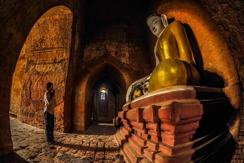 Myanmar Buddha Pilger