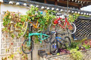 Kunst findet man in Bukcheon an so gut wie jeder Ecke.