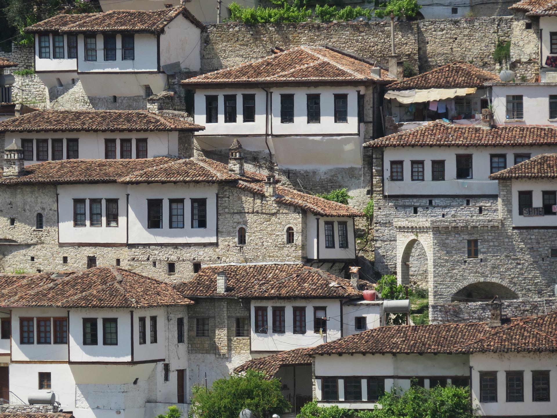 Berat, Albanien - Die Stadt der Tausend Fenster
