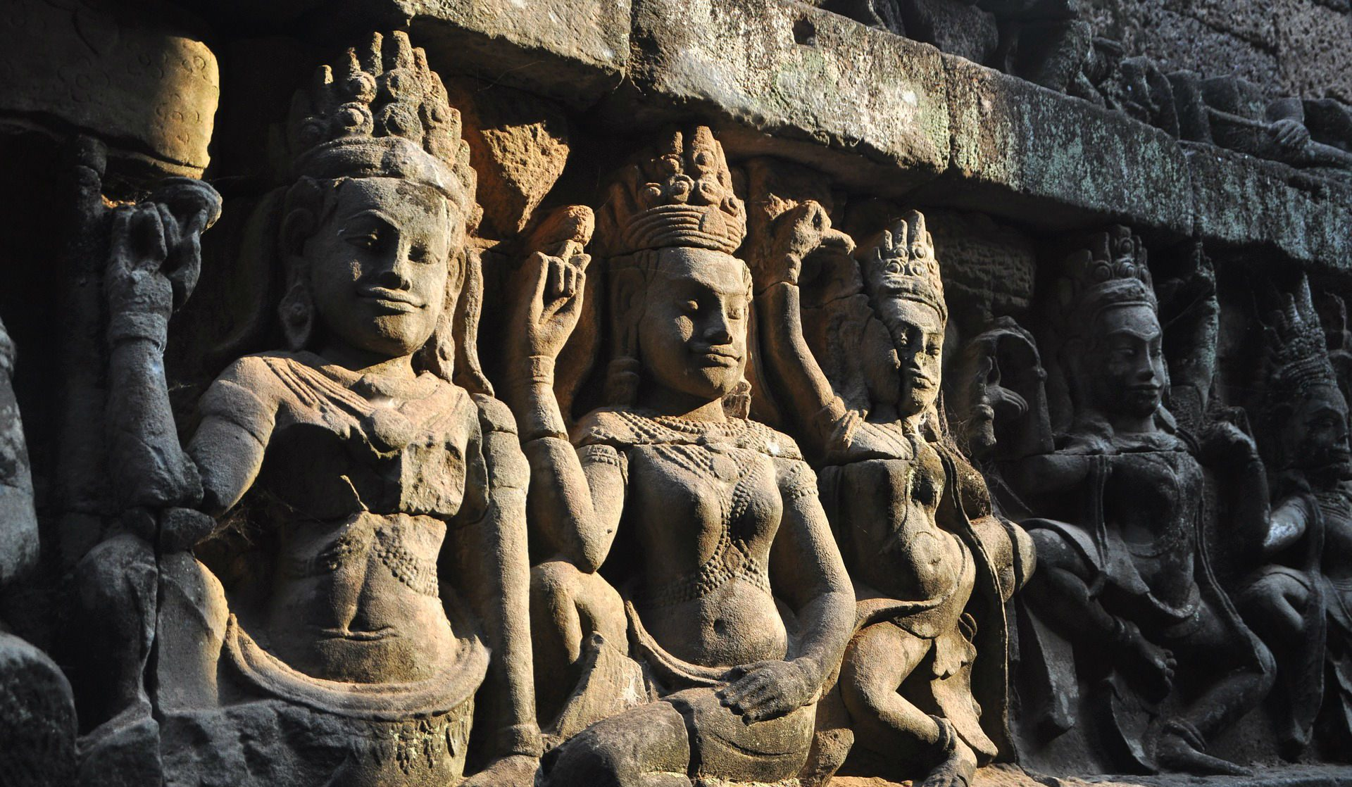 Statuen des Khmer-Reichs