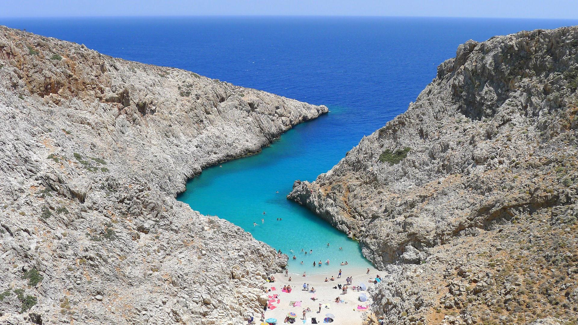 Kreta mit Blick auf das türkisblaue Meer