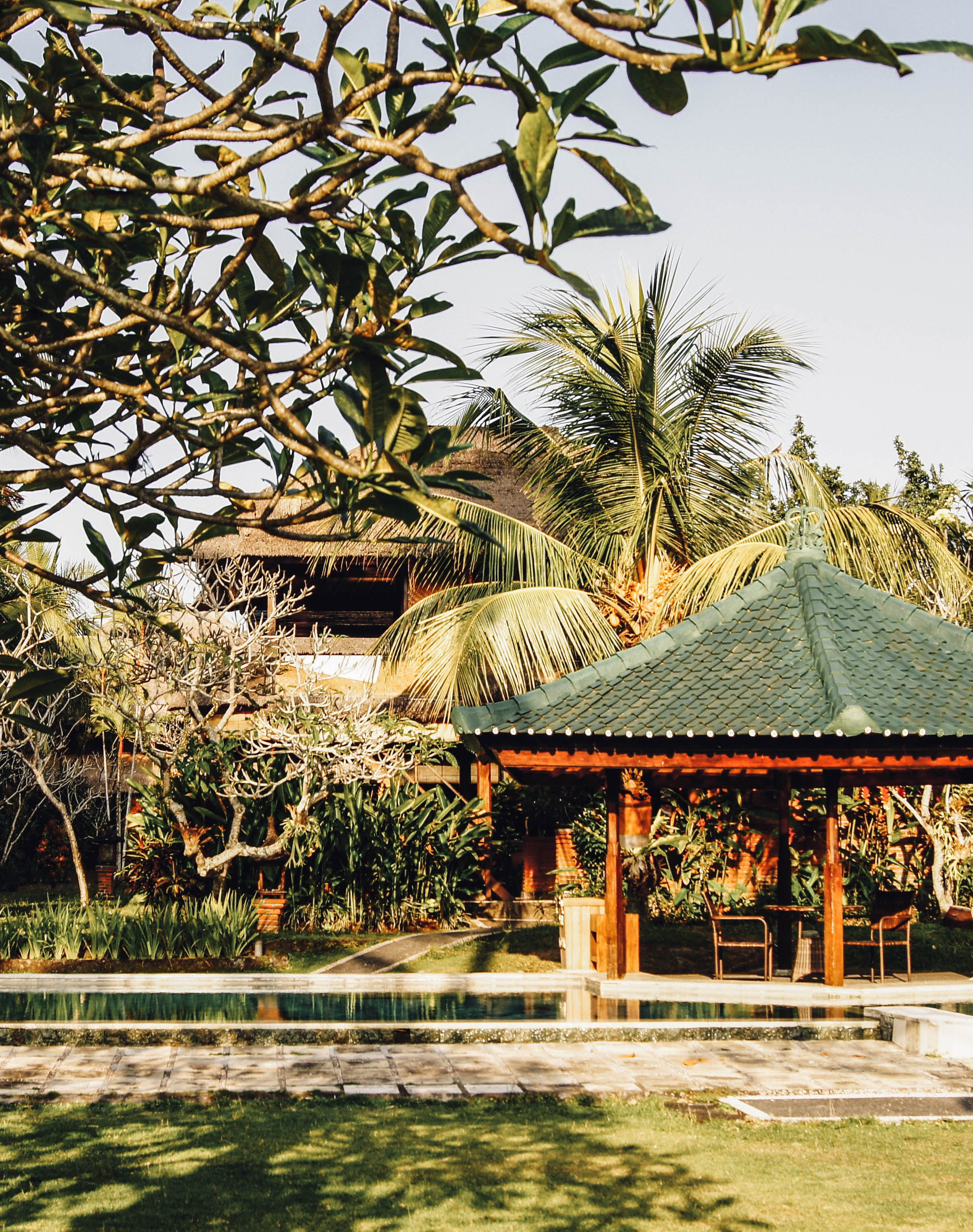 Balis einzigartige Natur und exotische Gebäude