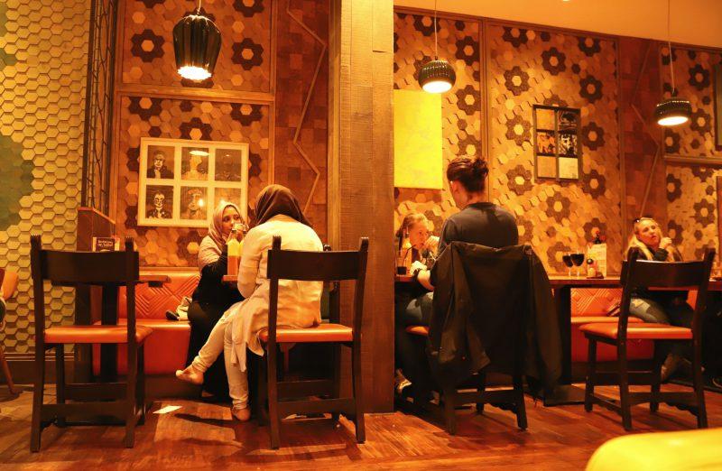 Das moderne Restaurant Nando's