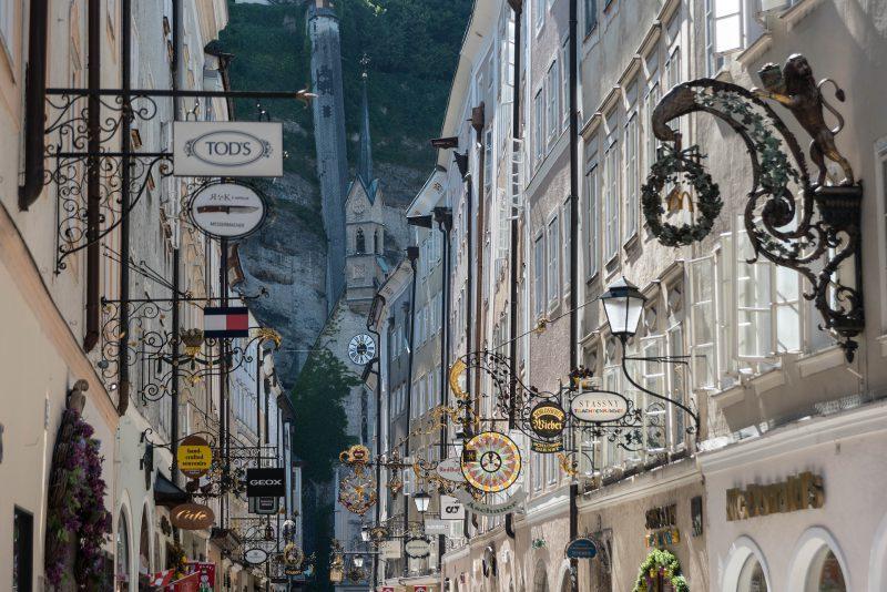 Schlendern Sie durch die historische Altstadt Salzburgs