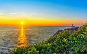 Blick auf den Sonnenuntergang bei Mallorca