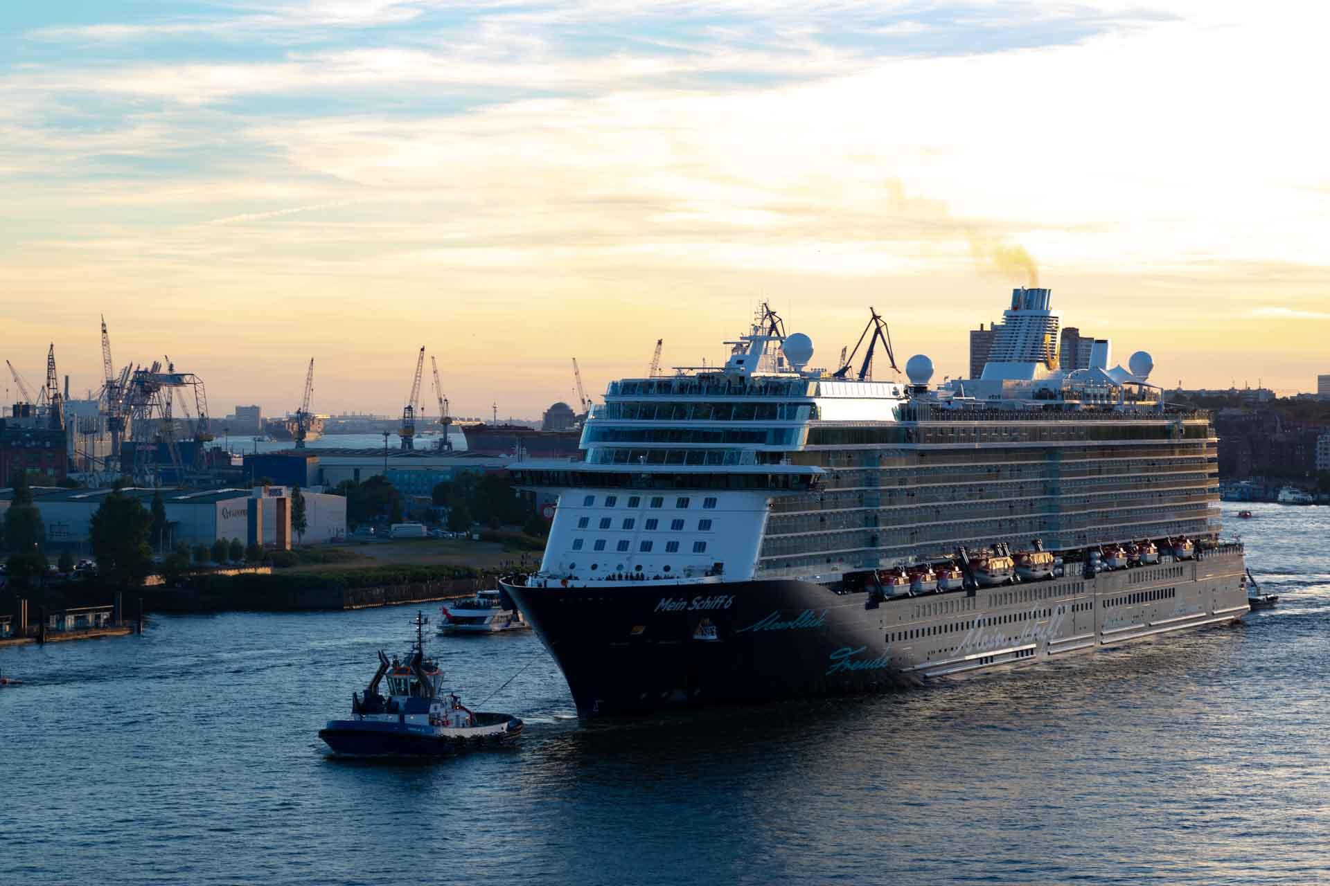 Kreuzfahrtschiff Mein Schiff 6 TUI Cruises