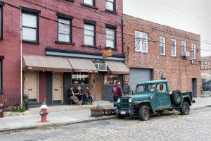 Sunnys Bar in Brooklyn