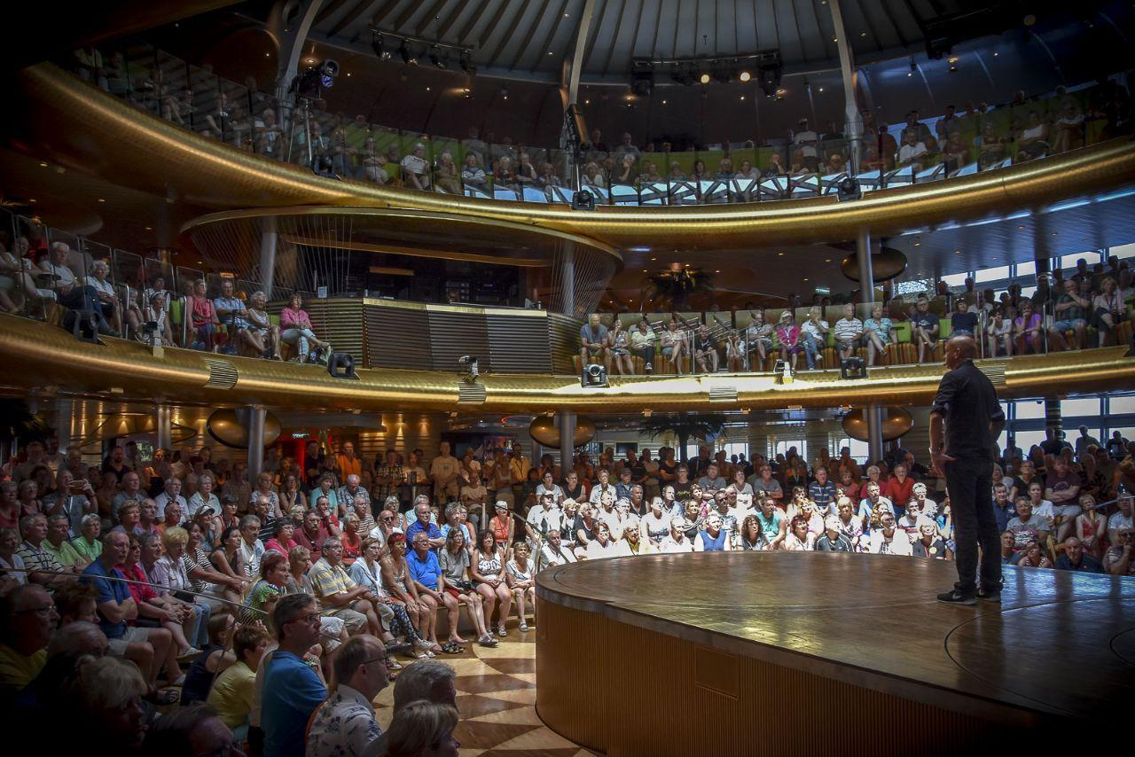 1500 Zuhörer im Theatrium