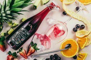 Wein und frisches Obst