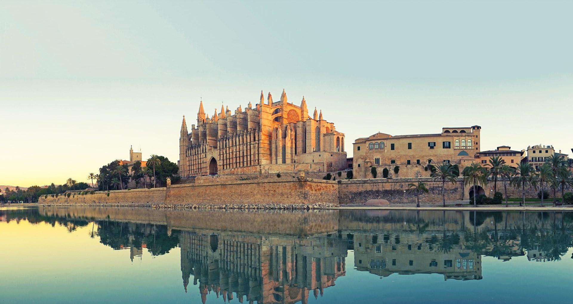 Blick auf die Kathedrale von Palma de Mallorca