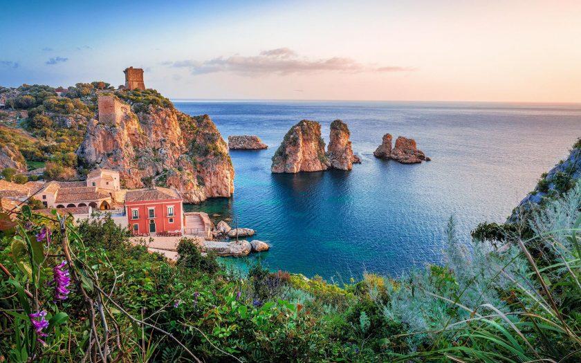 Küste vor Sizilien