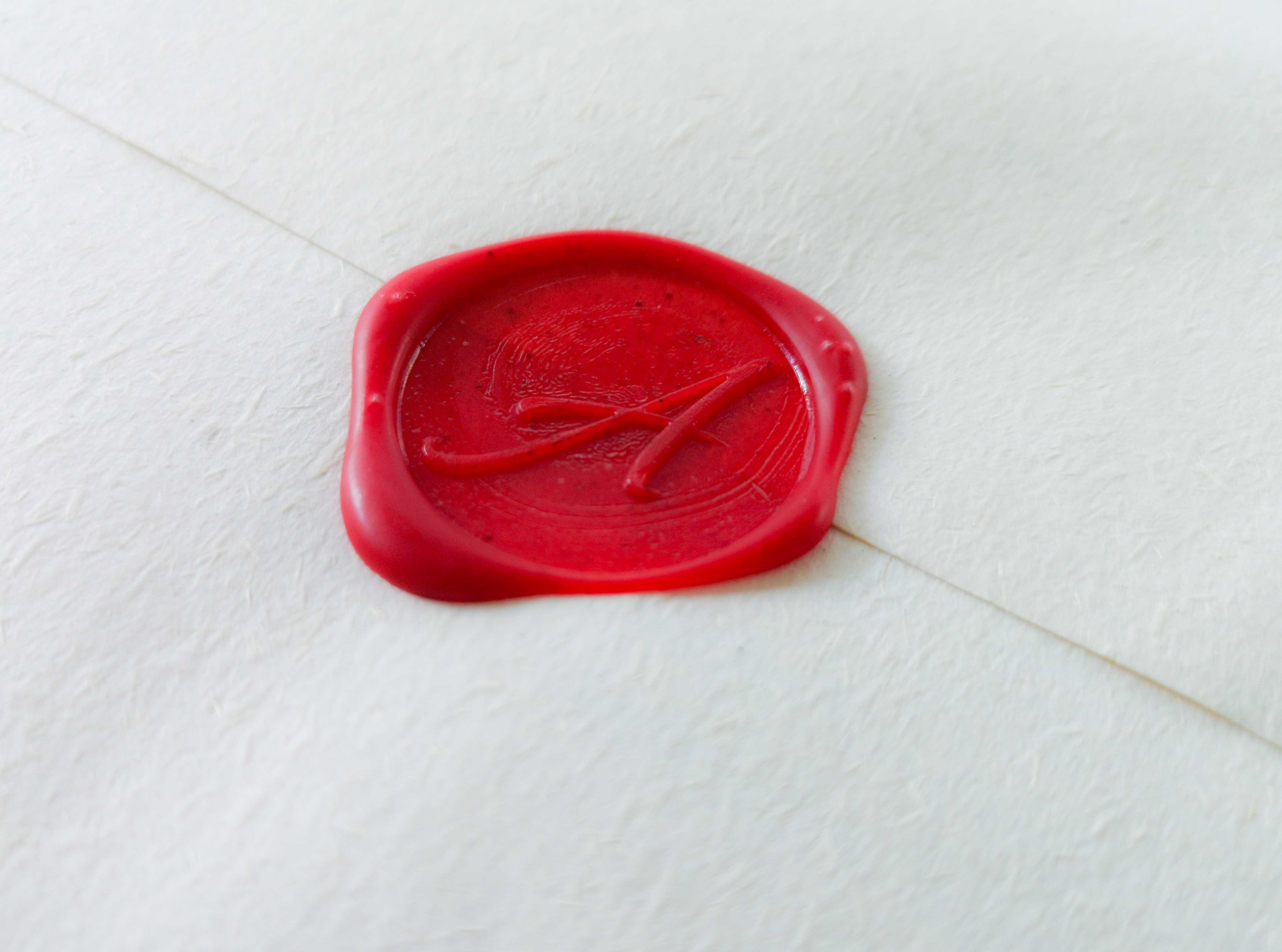 Menü im versiegelten Umschlag